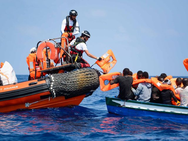 Portugal to receive 30 migrants from humanitarian ships