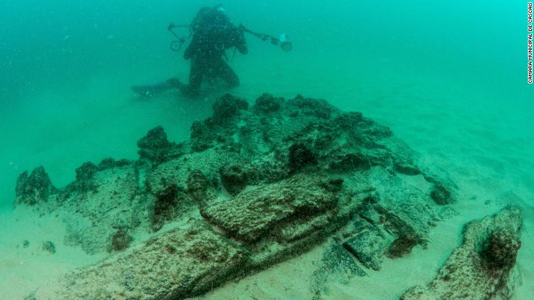 Centuries-old shipwreck found off Portugal's coast