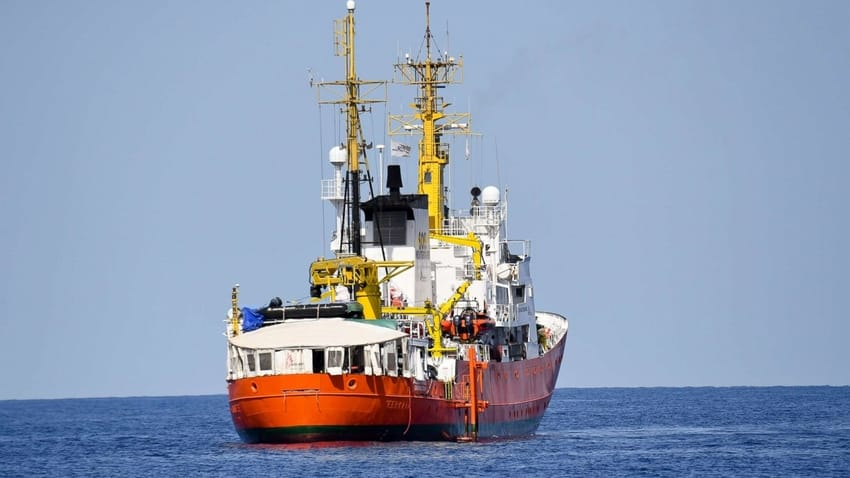 Portugal to accept 10 of 58 migrants on Aquarius ship