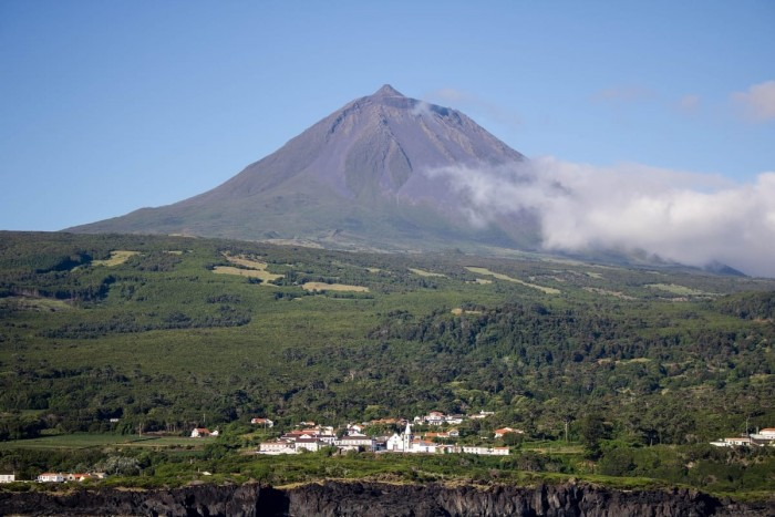 Pico Mountain Portugal Home - Portugal propety experts