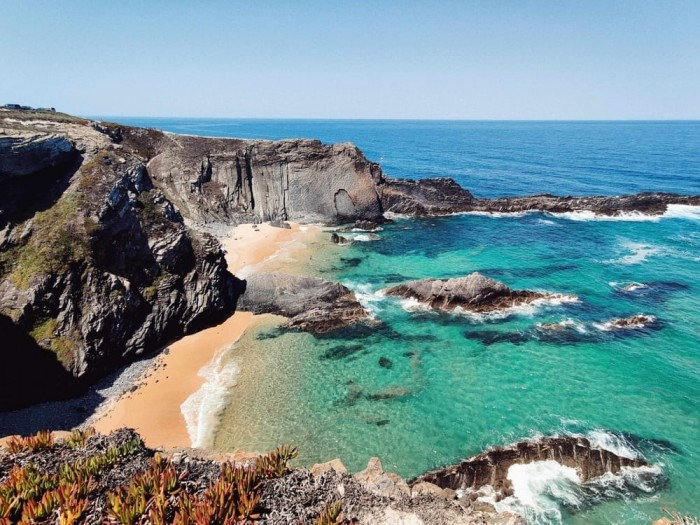Explore the coastline Portugal Home - Portugal propety experts