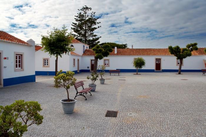 Santa Suzana village Portugal Home - Portugal propety experts