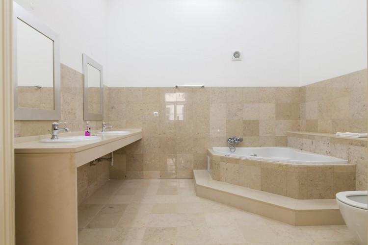 Property for Residential in Rua dos Fanqueiros 190, Baixa, Baixa, Lisbon, Lisbon, Portugal