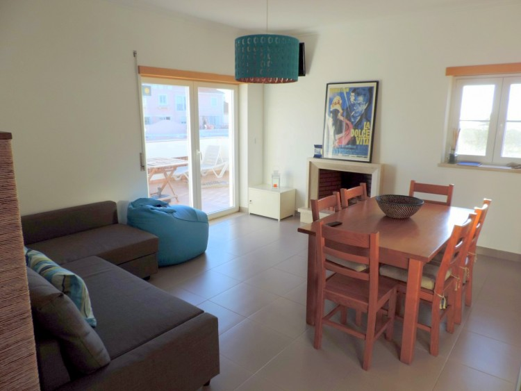 2 Bed Apartment to rent in Peniche, Portugal