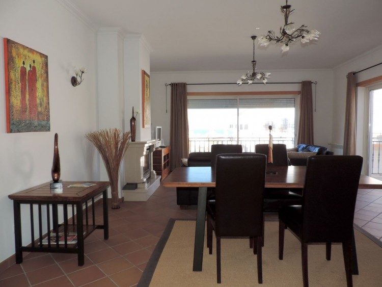 3 Bed Apartment for sale in Óbidos, Portugal
