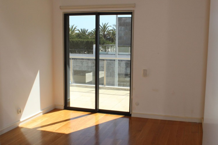 4 Bed Apartment for sale in Lisboa, Portugal
