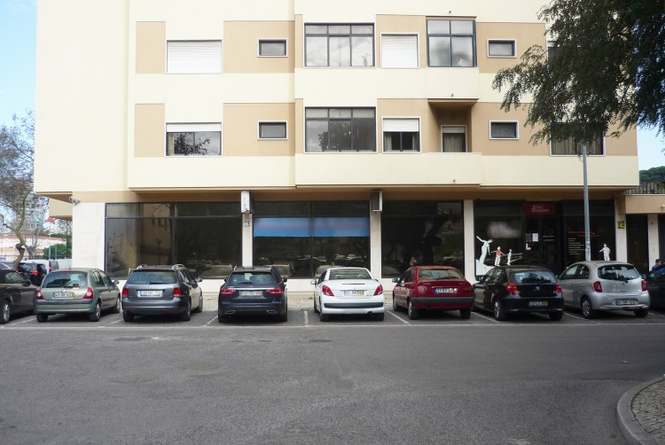 Property for Residential in Largo Maria Leonor 8, Miraflores, Oeiras, Oeiras, Lisbon, Portugal