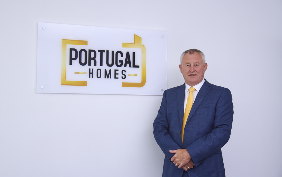 Portugal Homes - photo of Lee Callaghan member of Portugal property crew