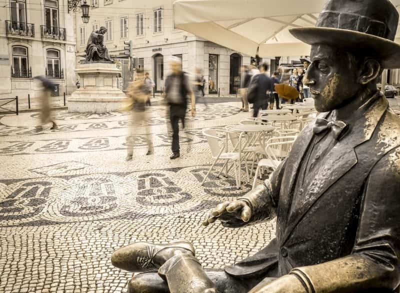 Fernando Pessoa Statue Lisbon Baixa Chiado